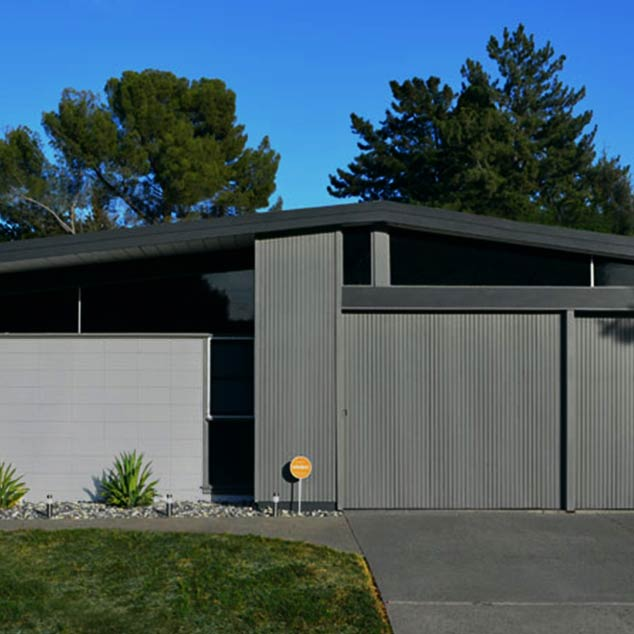 A Restored Eichler on the Modern Side of Mid-Century